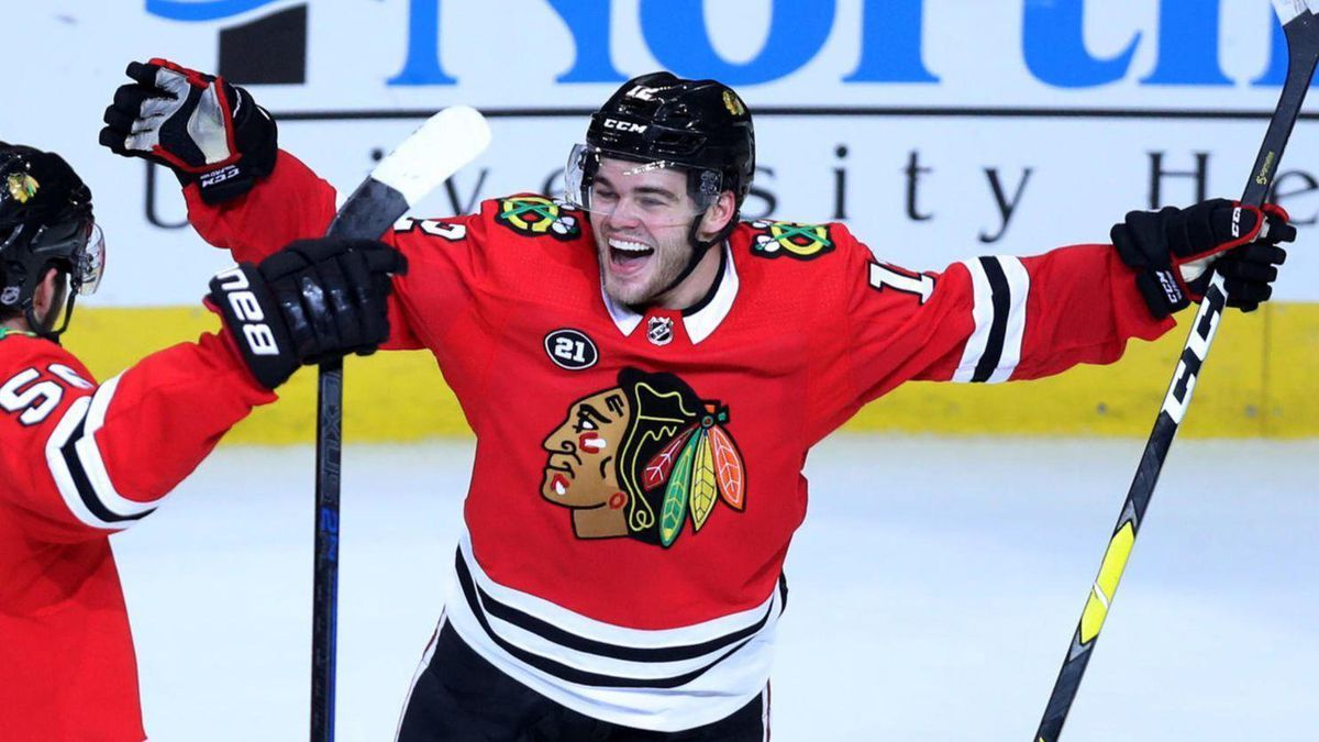 BREAKING: The Cat is Back! Blackhawks Agree to Extension with ...